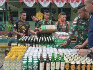 Satgas 643 Gagalkan 384 Botol Miras Asal Malaysia/theeast.co.id
