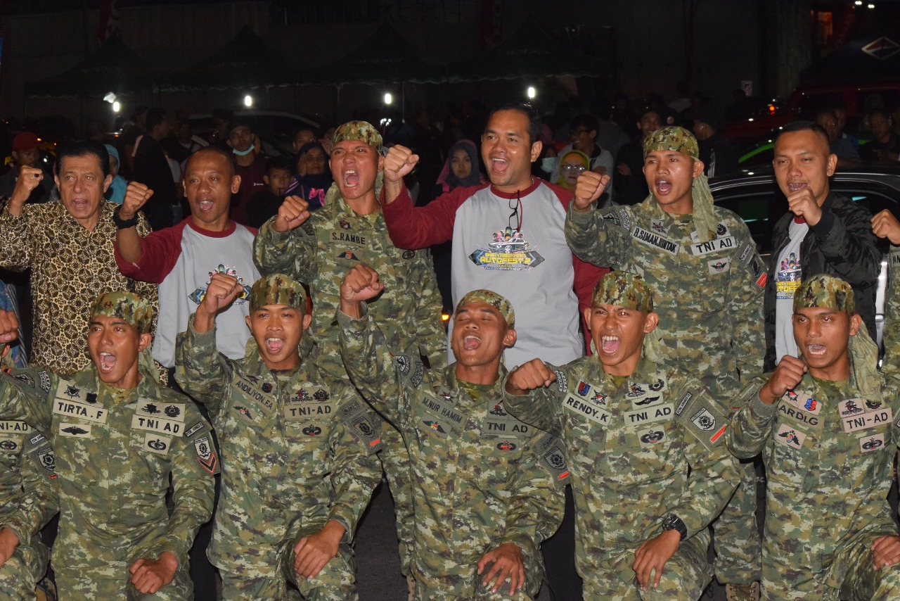 Bela Diri Militer Yonarmed 11/Divif 2 Kostrad Getarkan Panggung Bhayangkara/theeast.co.id