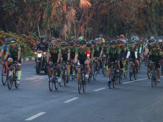 Kodam IX/Udayana Bersama Perkumpulan Bikers Lintas Daerah Gelar Gowes Road Bike 80 km /theeast.co.id
