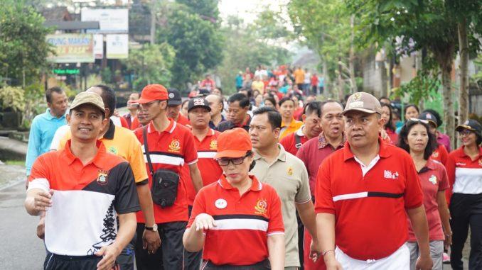 apolres Bangli Ikut Memeriahkan Jalan Santai Dalam Rangka Hari Bhakti Adhyaksa ke-59/theeast.co.id