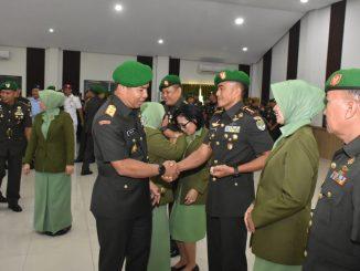 Pangdam Jaya Pimpin Upacara Serah Terima Jabatan Dan Tradisi Korps Danrem 052/ Wijayakrama/theeast.co.id
