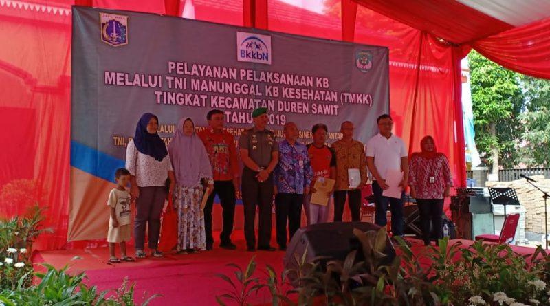 TMKK Koramil Bersama Muspika Kecamatan Duren Sawit Sajikan Kesehatan Gratis/theeast.co.id
