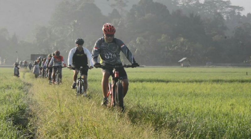 Gowes Lalui Jalur Off Road Dan On Road, Danrem Ajak KSASN Dan Sparco Mampu Menjajah/theeast.co.id
