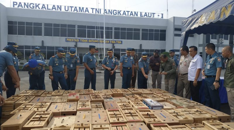 Satgas Intelmar FIQR Lantamal I, Koarmada I Tangkap Penyelundup Ayam Adu Asal Thailand/theeast.co.id
