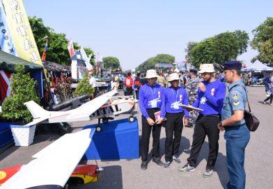 Stand Pameran Alutsista STTAL HUT TNI ke-74/2019 Tampilkan Pesawat Pilatus PC 21 dan Tank AMX 10 Tanpa Awak/theeast.co.id
