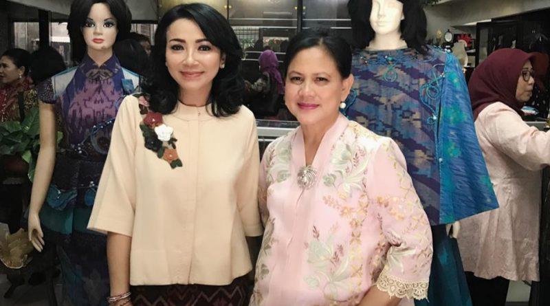 Ibu Negara Tertarik Kain Motif Khas Bali/theeast.co.id