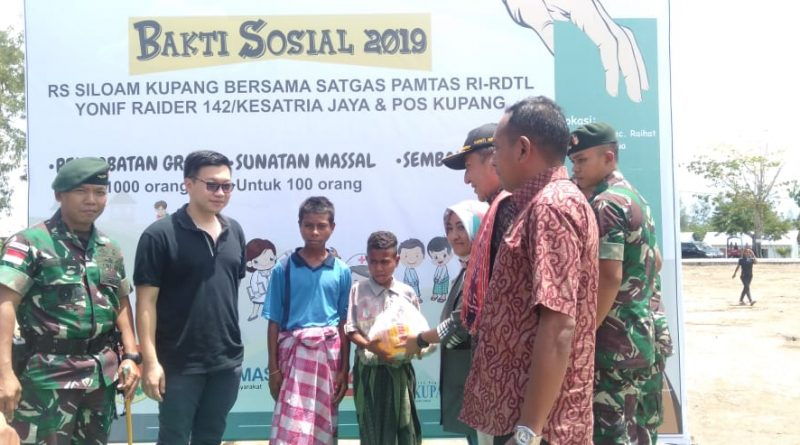 Yonif Raider 142/KJ Bersama Pos Kupang dan RS Siloam Lakukan Baksos di Haekesak - Wilayah Batas RI-RDTL/theeast.co.id