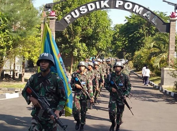 Uji Ketahanan Fisik Siswa Pusdikpomal Kodiklatal Gelar Lintas Medan/theeast.co.id