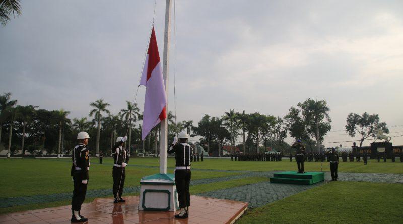 Upacara Bendera Awal Wahana Evaluasi Kinerja/theeast.co.id