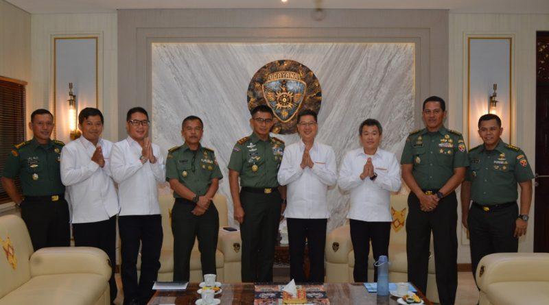 Pangdam Terima Audiensi Ketua Beserta Pengurus Permabudhi Provinsi Bali/theeast.co.id