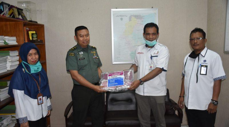 Kemnaker Samarinda Sambangi Korem 091/ASN Beri Masker/theeast.co.id