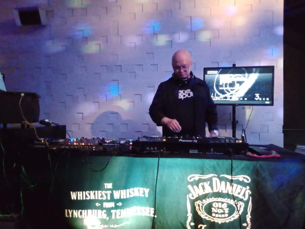 DJ Jockie Saputra Manggung di Citilites Sky Club & Bistro/theeast.co.id