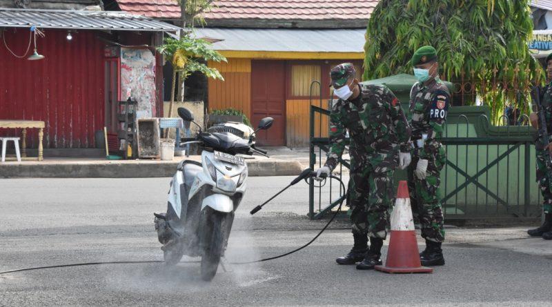 Tak Hentinya, Prajurit dan Tamu Masuk Markas Korem Wajib Disemprot Disinfektan/theeast.co.id