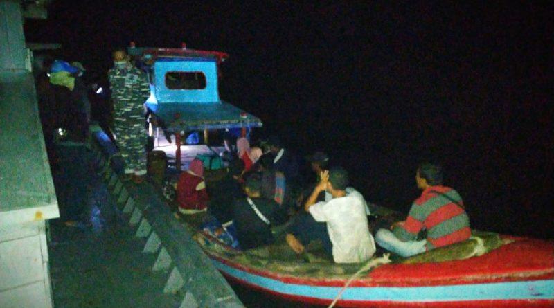 Tim F1QR Lanal Tanjung Balai Asahan Lantamal I Tangkap Penyelundup TKI Ilegal/theeast.co.id