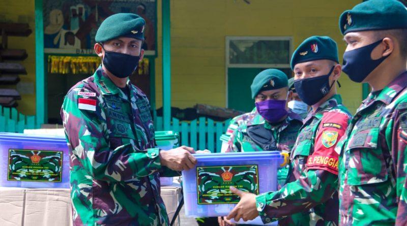 Panglima TNI dan Kasad Beri Bingkisan Lebaran Kepada Satgas Pamtas Yonif Raider 200/Bhakti Negara/theeast.co.id
