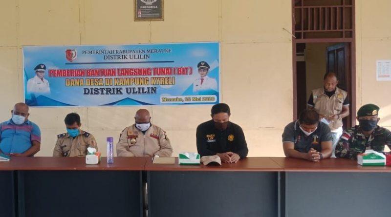 Satgas Yonif 411 Kostrad Hadiri Penyerahan BLT Dana Desa di Kampung Kirely/theeast.co.id