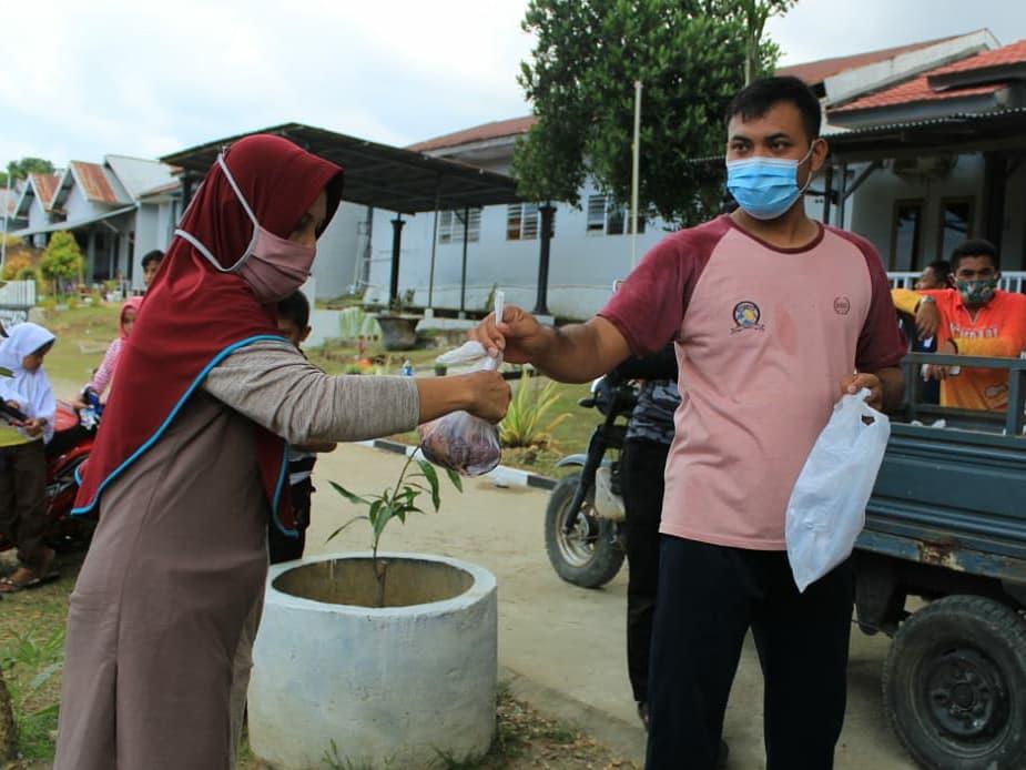 Lanal Kendari Laksanakan Penyembelihan Hewan Qurban di Komplek Rumdis/theeast.co.id